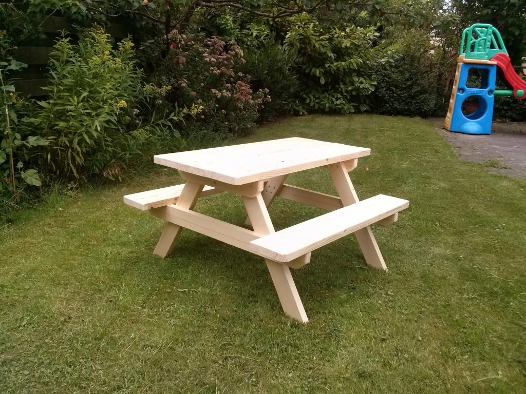 Mesa de picnic para niños